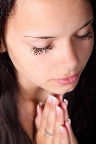 girl-praying-handsBlog