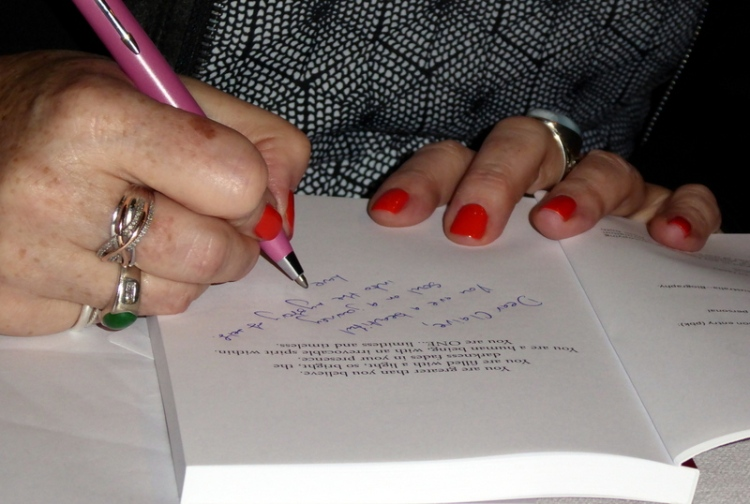MariaBookSigning